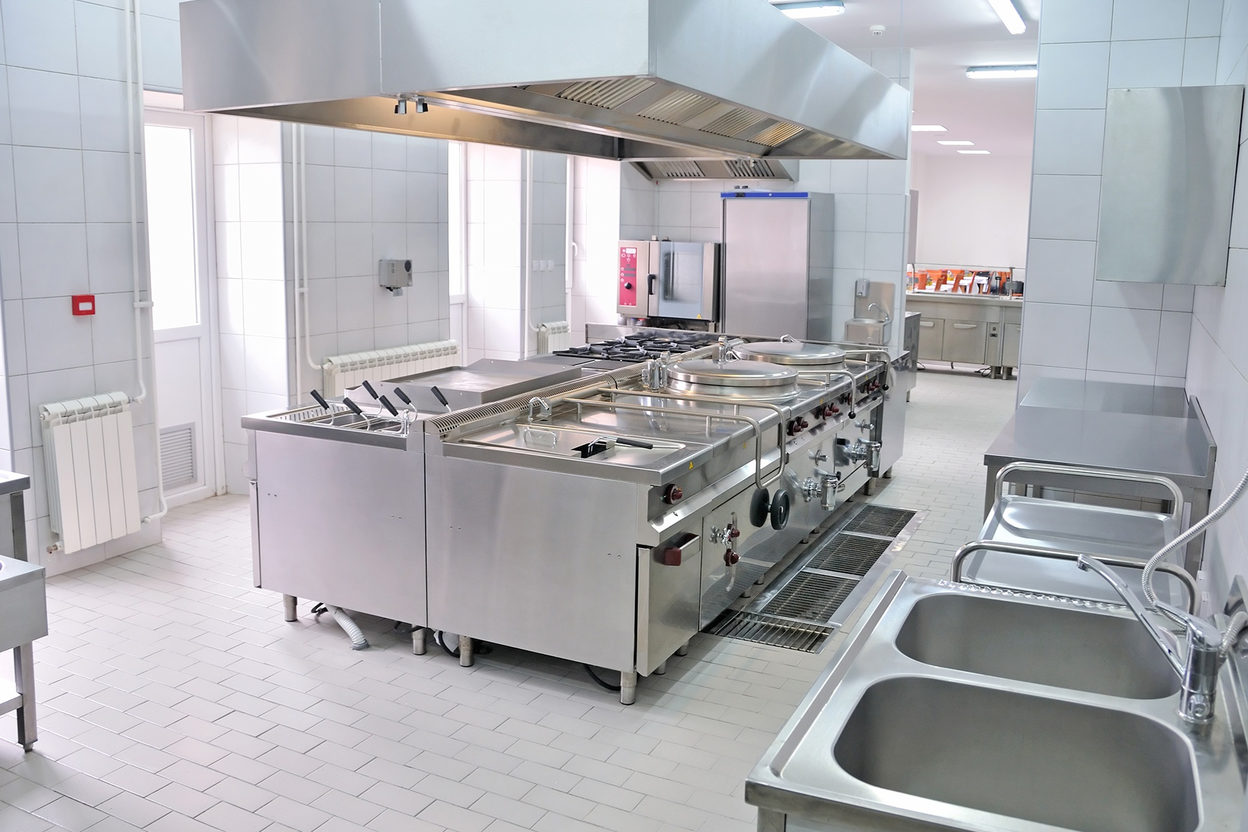 SamTell-Blog-Principles-of-Commercial-Kitchen-Floor-Plans-for-Efficient-Flow