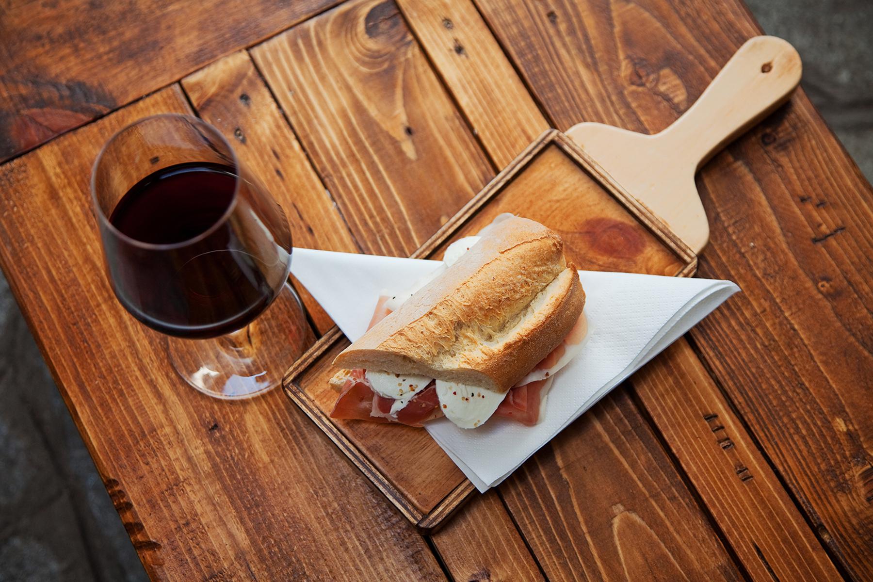 Prosciutto-and-Mozzarella-Sandwich