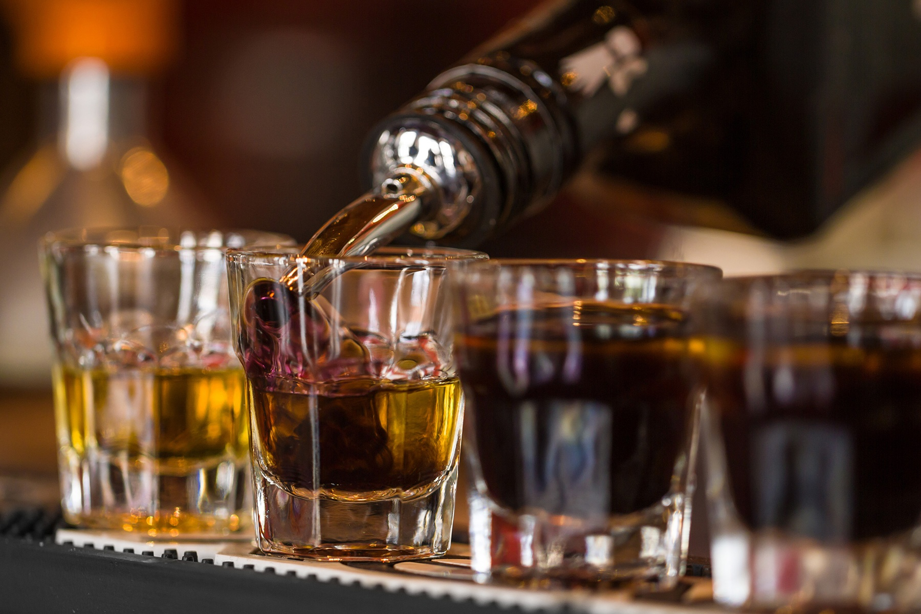 Commercial Bar Design Considerations for a Better Guest Experience